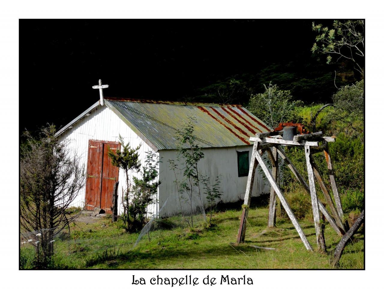 La chapelle de Marla dans le cirque de Mafate.