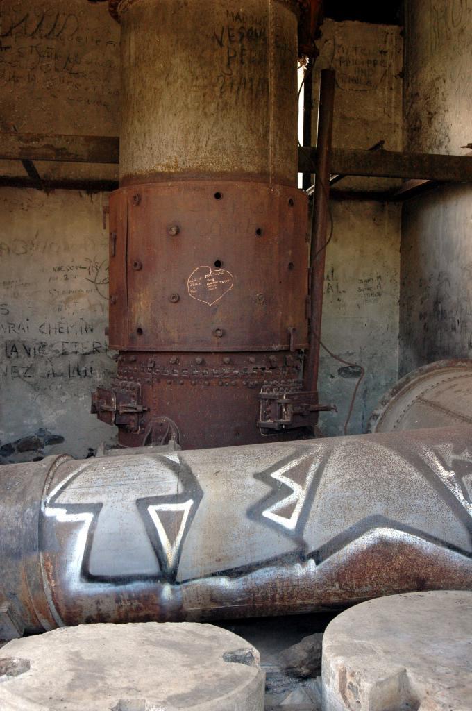 La vieille chaudière du moulin Kader.