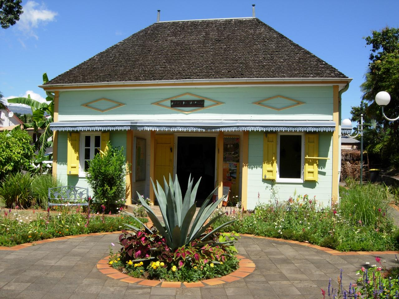 L'Entre-deux, maison du tourisme1