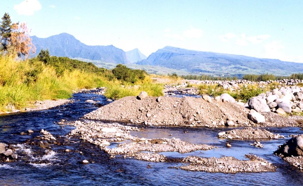 riviere-du-mat-et-plaine-alluviale.jpg
